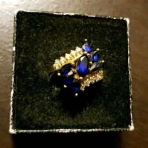 Ladies Yellow Gold Synthetic Sapphire Ring